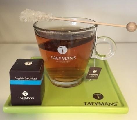 TAEYMANS PREMIUM TEA theeglas met onderbord